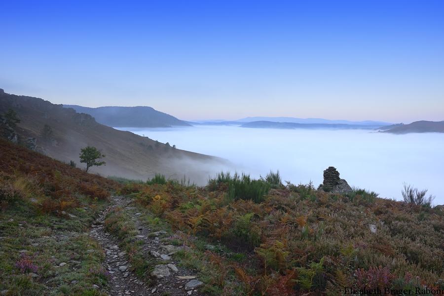 La vallée de la Mimente sous la brume.