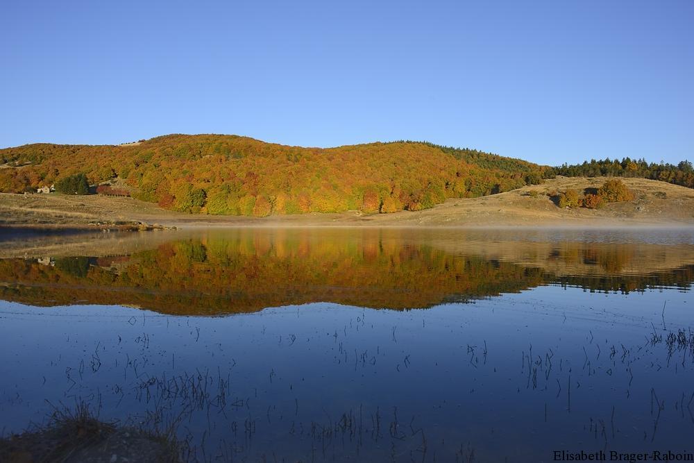 Lac des Pises - Montagne du Lingas -  en automne