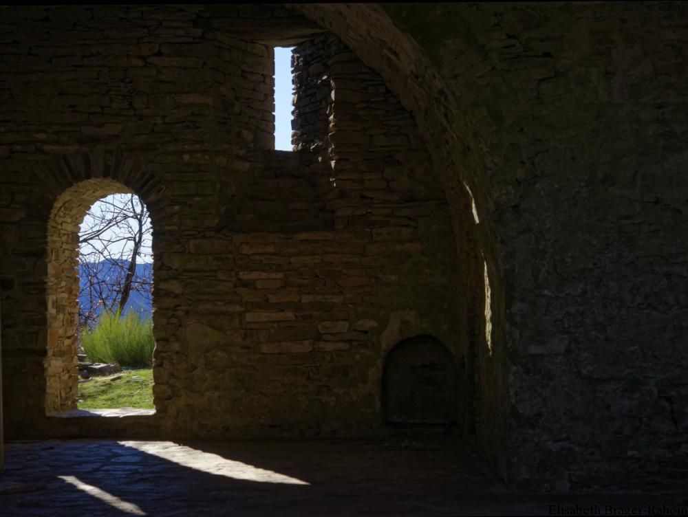 Saint-Marcel-de-Fontfouillouse : Entre ombre et lumière